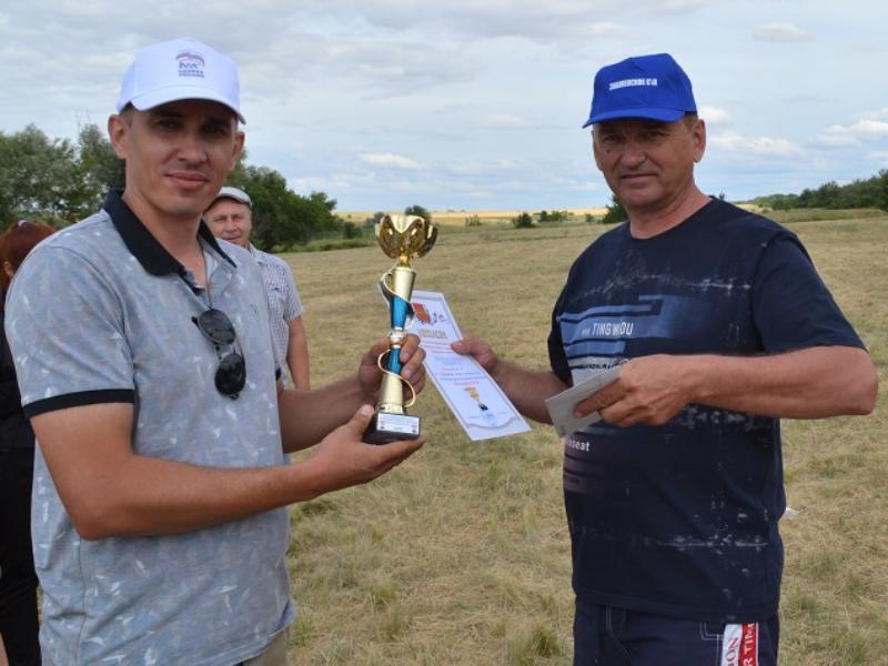 Победителем соревнований в честь Дня Молодежи стала команда Костино-Быстрянского сельского поселения