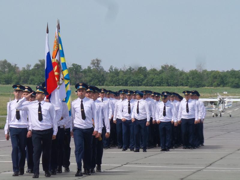 Авиашоу, военная техника и полевая кухня: как морозовчане отпраздновали День образования полка