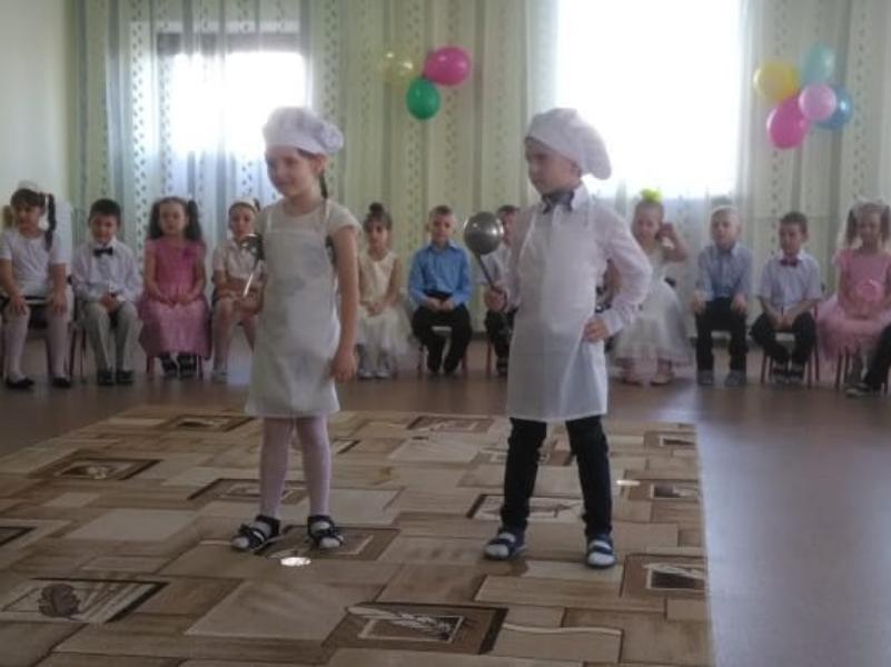 Праздничную программу в честь 8 марта подготовили в морозовском детском саду «Сказка»
