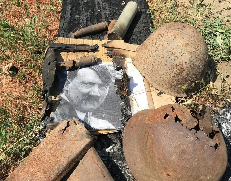 Бумажного Гитлера сжег художник в Морозовске