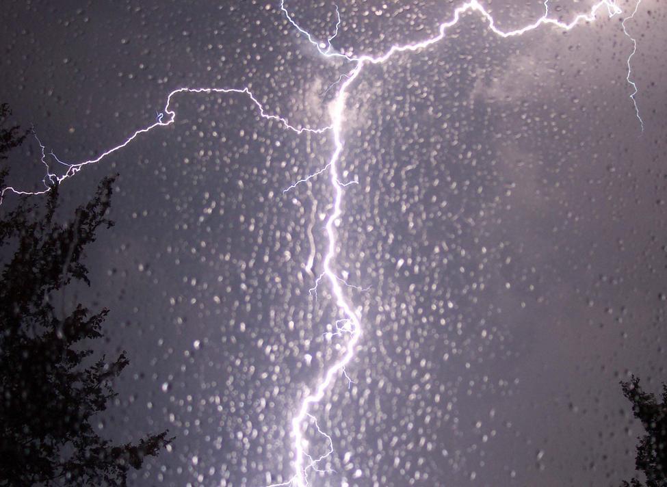 Снова ливень: понедельник в Морозовске будет мокрым
