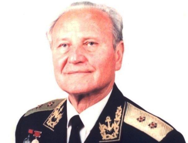Календарь Морозовска: 4 февраля 1914 года в станице Таубевская родился будущий начальник связи ВМФ СССР