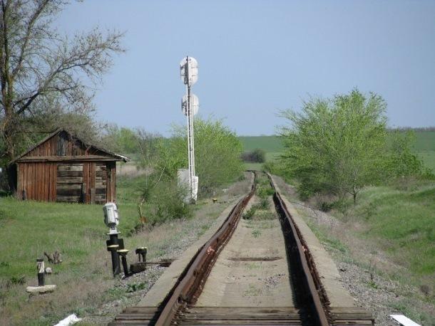 Железнодорожную ветку Волгодонск-Морозовск восстанавливают рабочие из Тимашевска, Краснодара, Армавира, Кабардино-Балкарии и Батайска