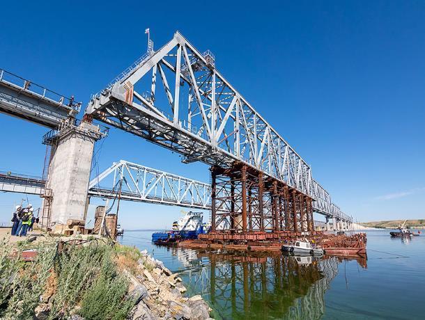Завершен монтаж пролетных строений моста через Дон на линии Волгоград-Морозовская