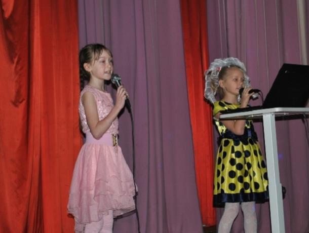 Праздничный концерт «Нежной, Ласковой, Любимой» подготовили в доме культуры хутора Вишневка