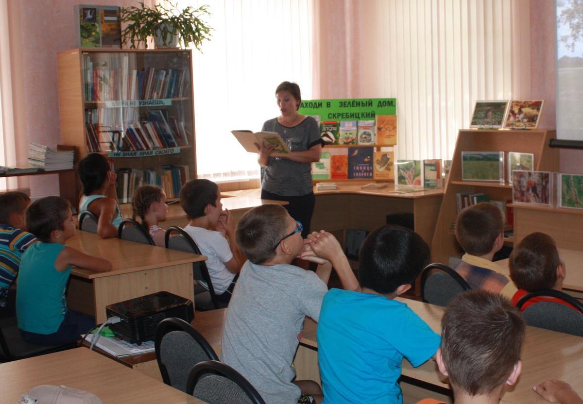 Рассказ о трагической судьбе берёзы тронул ребят в детской библиотеке