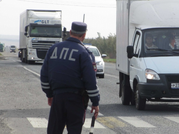 Вопрос-ответ: Куда обратиться, чтобы грузовики больше не объезжали пост через станицу Вольно-Донскую?