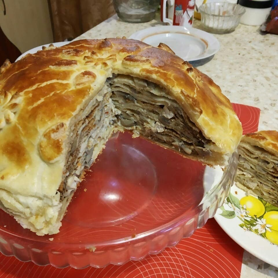 Рецептом курника с грибами и блинами поделилась морозовчанка Татьяна Собенина