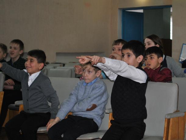 «Великие космонавты России»: в Вишневке для детей провели познавательную программу