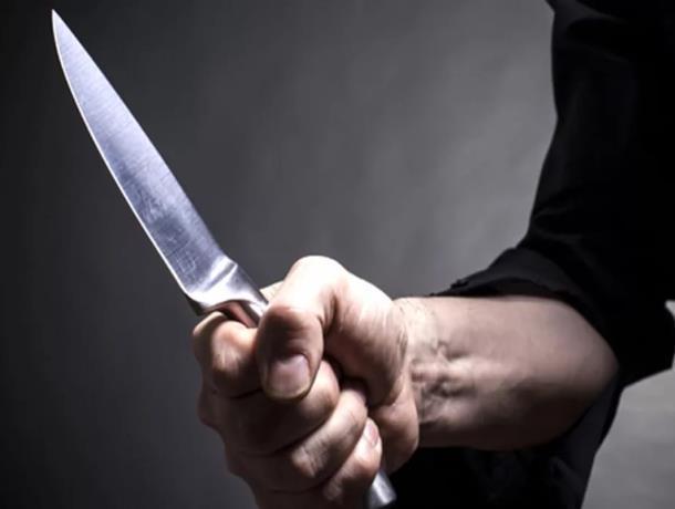 После множества ножевых ударов пострадавший скончался в больнице Морозовска