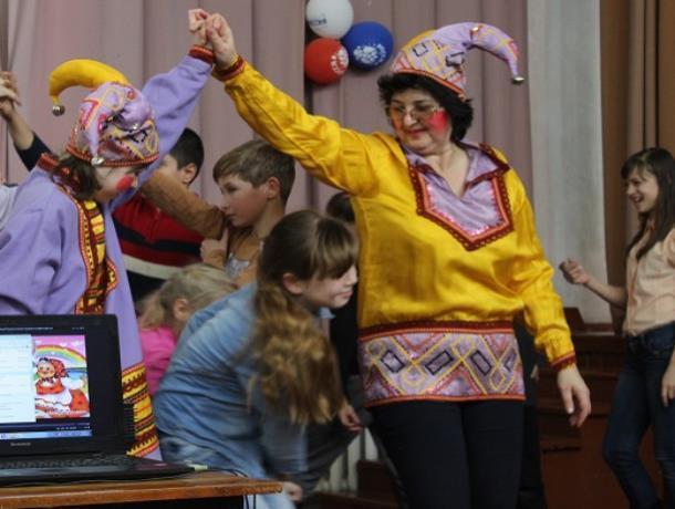 Театрализованную праздничную программу «Масленица наша нет тебя краше» организовали в хуторе Вишневка