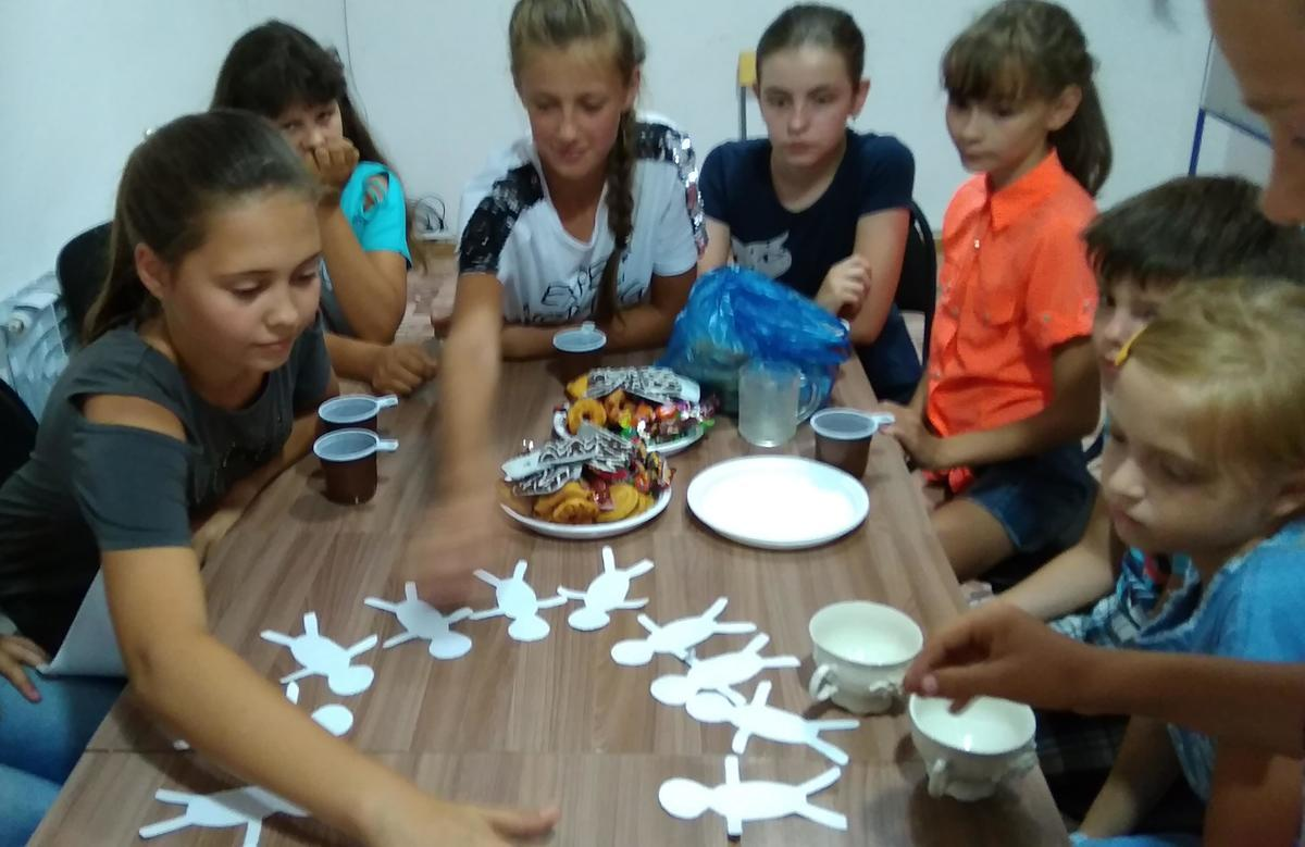 «Хоровод дружбы» сделали дети на празднике толерантности в Гагаринском отделе библиотеки