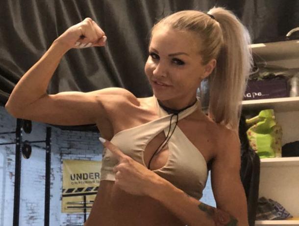 У твоей девушки мышцы крепче, чем у тебя?